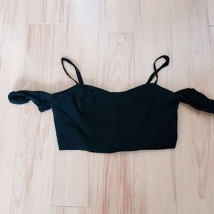 Tops - Black off shoulder crop top